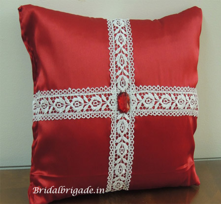 Bridal Brigade ring pillows according to theme