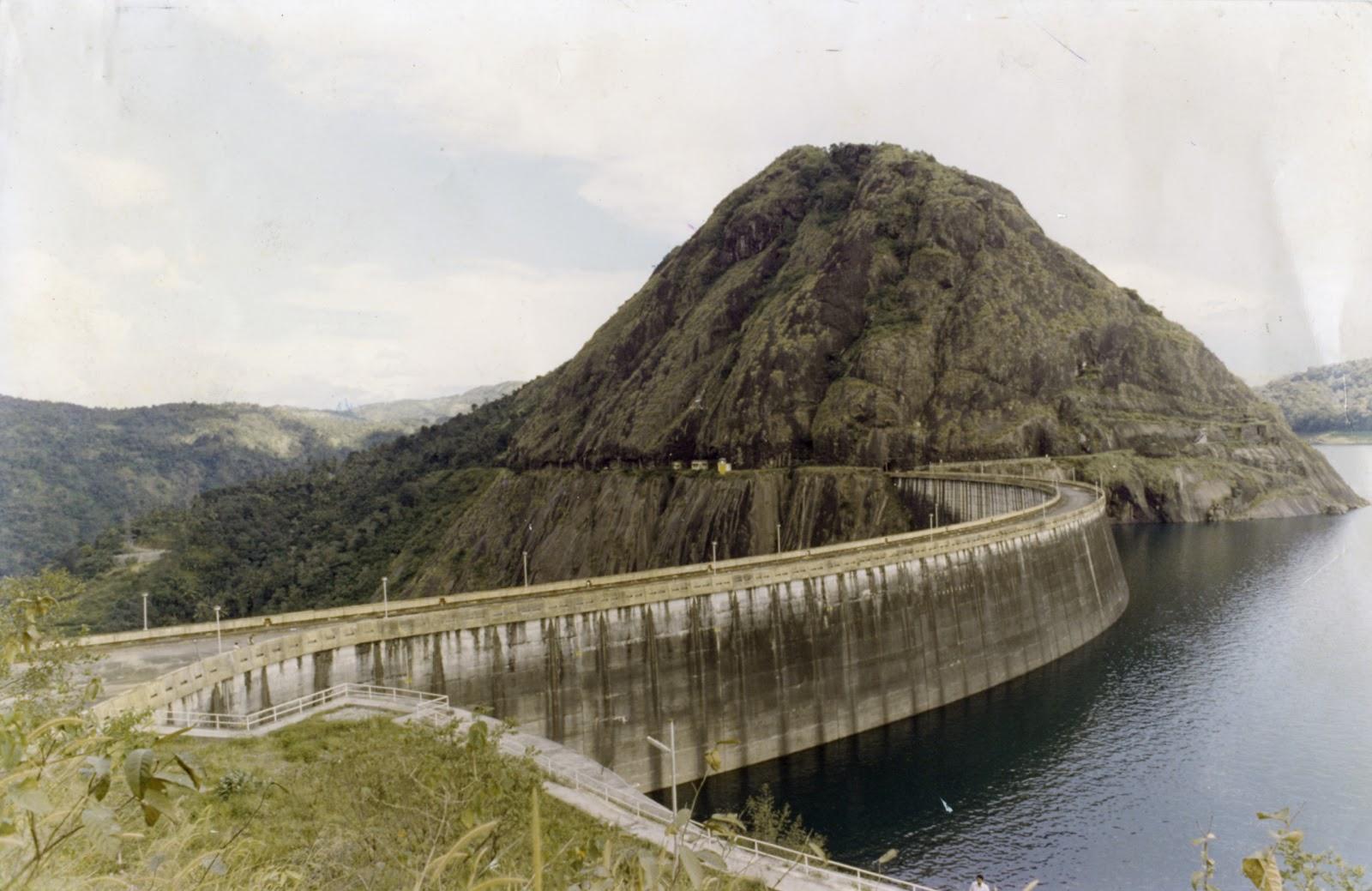 mulai periyar dam Danau periyar sebenarnya tak ketinggalan pula mulai banyak jenis-jenis ikan baru yang danau dibentuk oleh hidroelektrik akosomba dam.